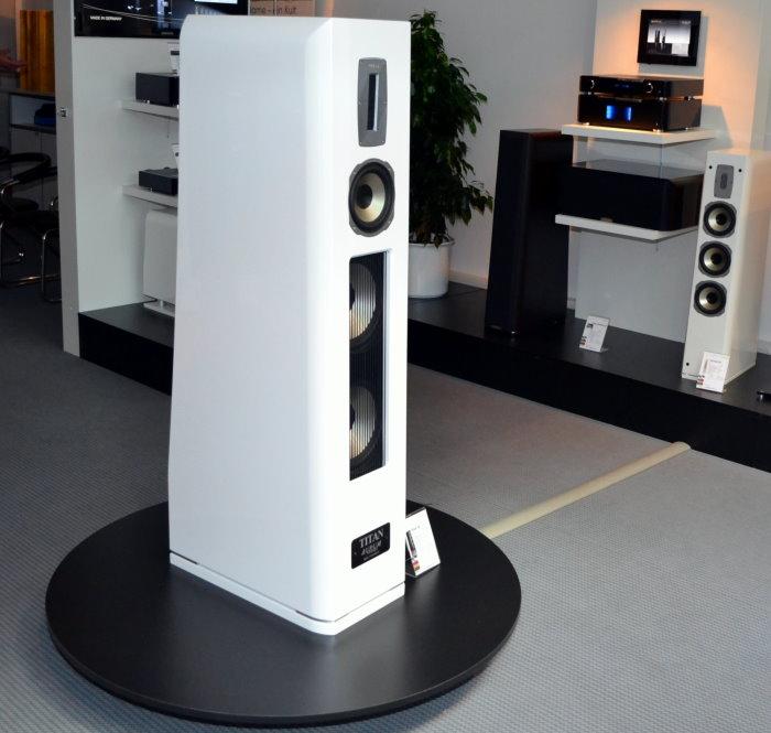 HighEnd: Aurum Titan VIII und Vollverstärker/CD-Player ...