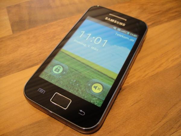Samsung galaxy ace kompakt aber mit interessantem innenleben