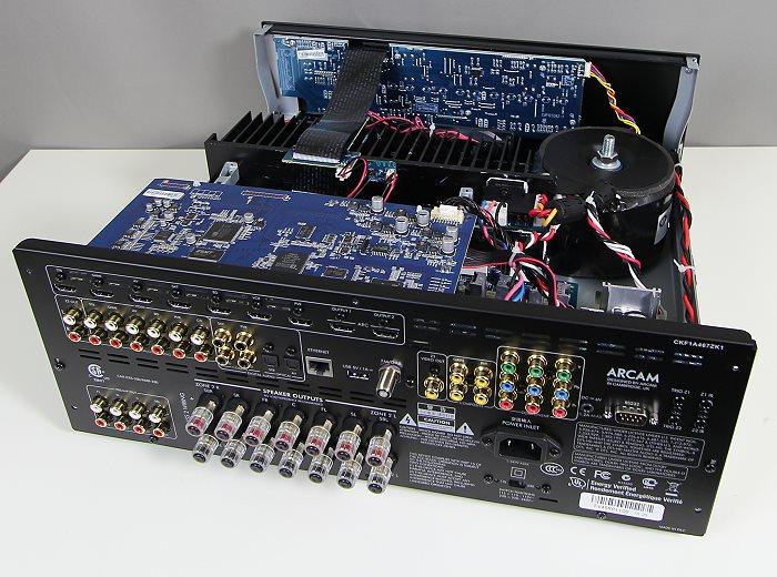 Arcam-AVR-450-Innenleben-Gesamt2.jpg