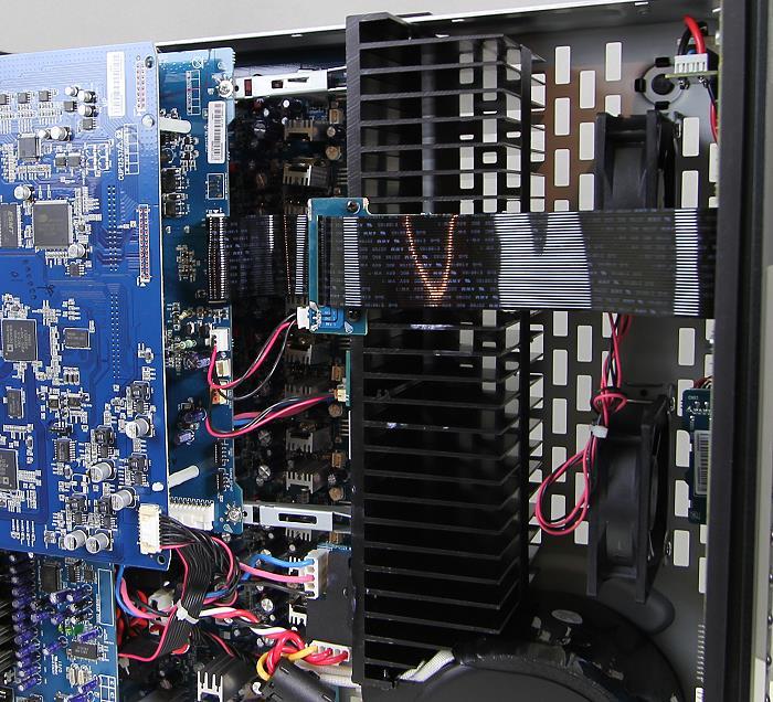 Arcam-AVR-450-Innenleben2.jpg