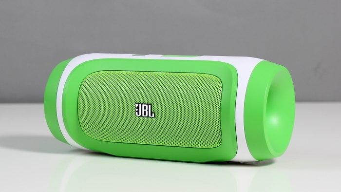 test jbl portabler bluetooth lautsprecher charge. Black Bedroom Furniture Sets. Home Design Ideas