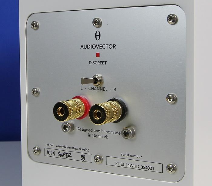 Audiovector Ki1 Super Speaker Anschluesse Rueckseite1