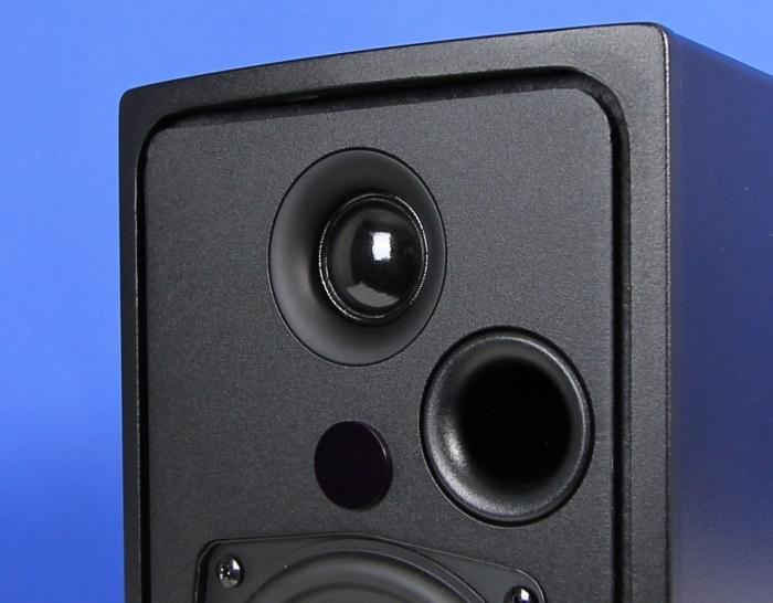 Q Acoustics Q-BT3 Hochtoener Bassreflexrohr