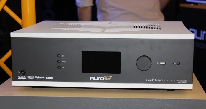 Auro 3D Auriga Front Seitlich