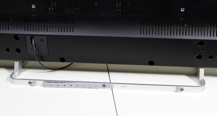 Toshiba 55M7463D Standfuss Rueckseite