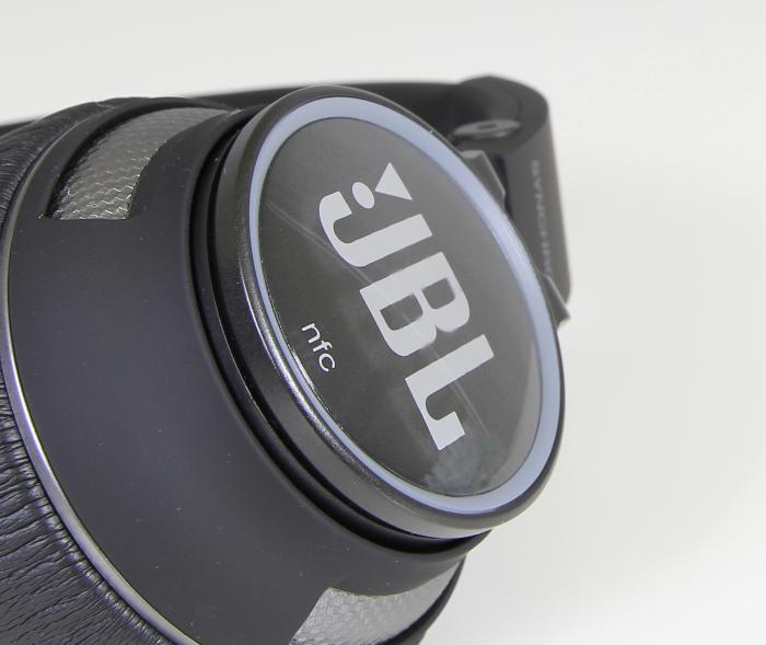 JBL Synchros S400BT 13