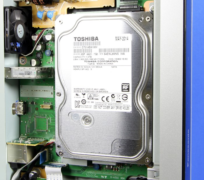 Panasonic DMR-BST845 Innenleben2