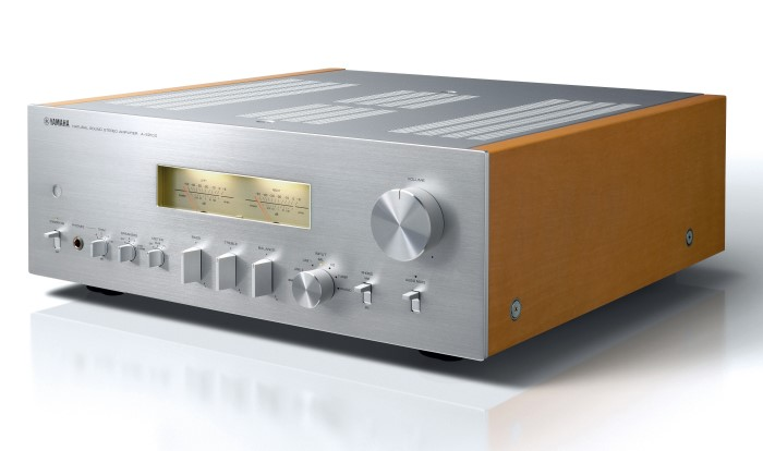 Yamaha_AS2100_Stereo_Amplifier_silbern