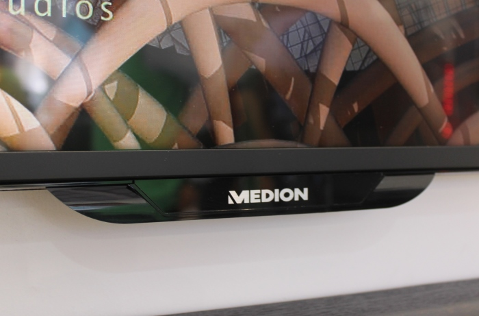 Medion Life X18034 Detail Front