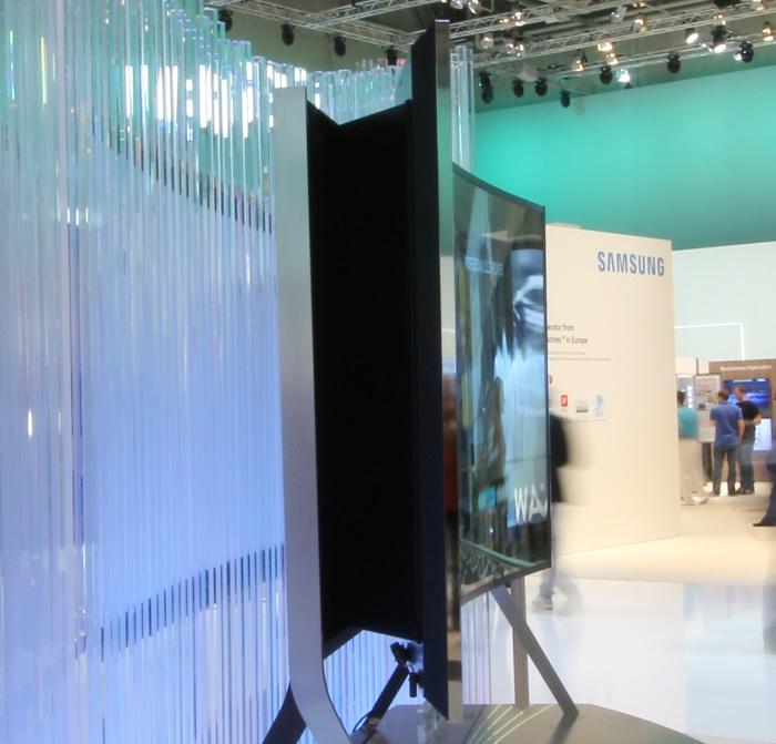 Samsung Bendable UHD TV Seitenansicht Curved