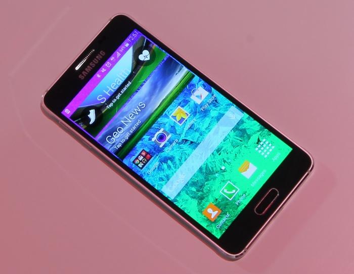 Samsung Galaxy Alpha Front Seitlich4