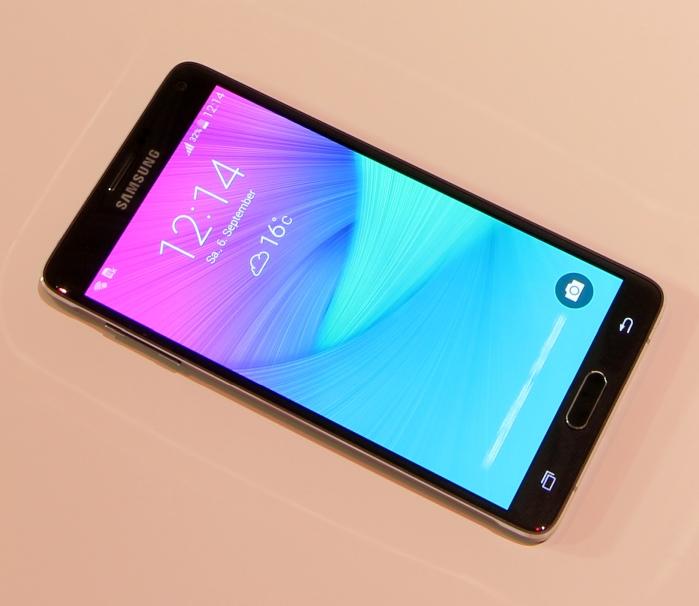 Samsung Galaxy Note 4 Front Seitlich2