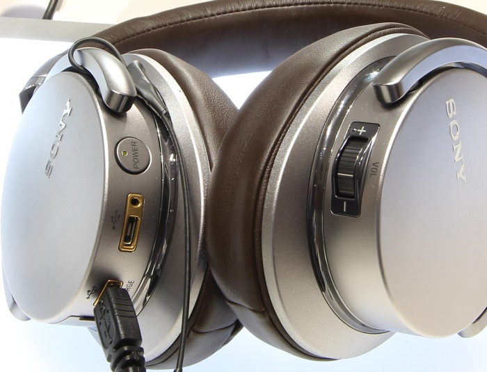 Sony MDR-1A DAC Anschluesse Bedienelemente
