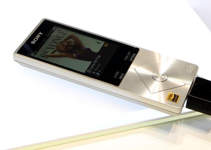Sony NWZ-A15 Front Seitlich1