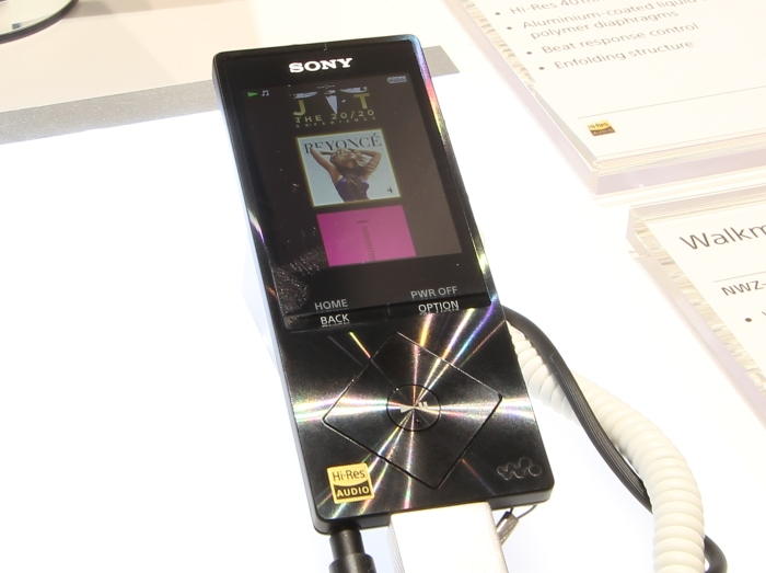 Sony NWZ-A15 Front Seitlich2