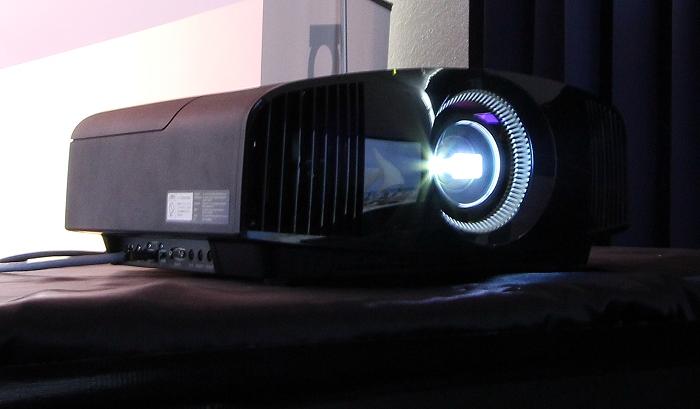 Home Cinema Trends 2014 Sony VPL-VW500 2