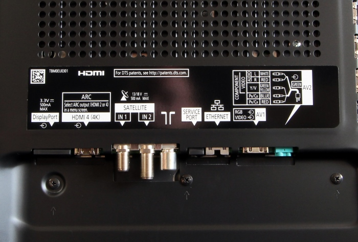 Panasonic TX-P65AXW804 Anschluesse Rueckseite1