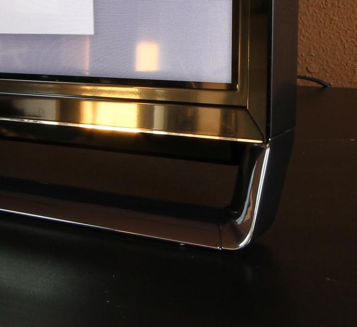 Panasonic TX-P65AXW804 Standfuss Detail