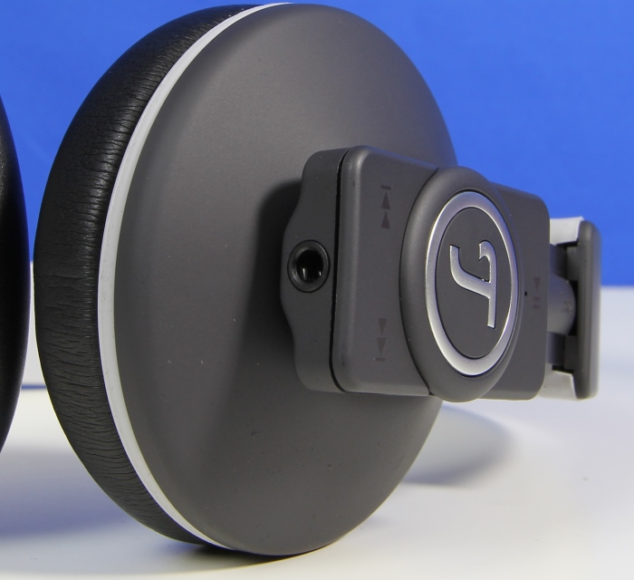 test teufel bluetooth headphone airy volltreffer aus berlin area dvd. Black Bedroom Furniture Sets. Home Design Ideas