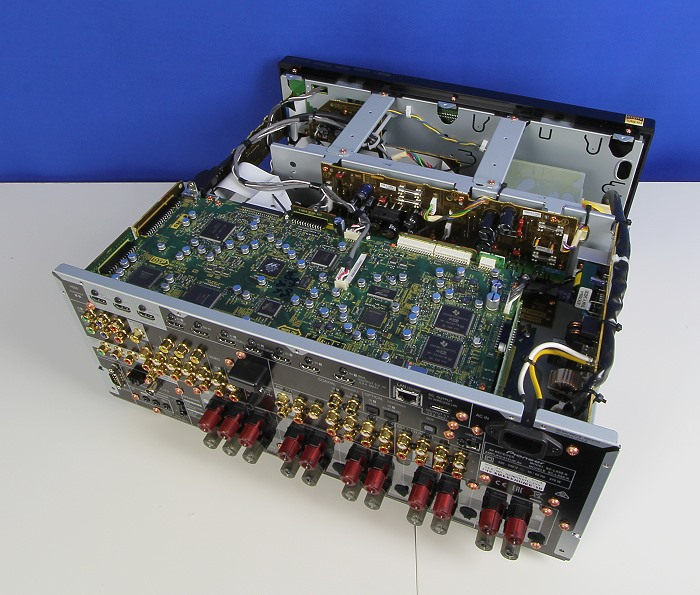 Pioneer SC-LX88 Innenleben Gesamt1