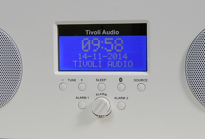 Tivoli Music System Three Plus Display Bedienelemente