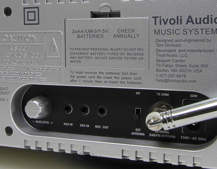 Tivoli Music System Plus Anschluesse Rueckseite