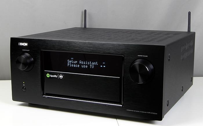 Denon AVR-7200W Front Seitlich1