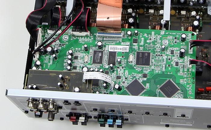 Denon AVR-X520BT Innenleben2