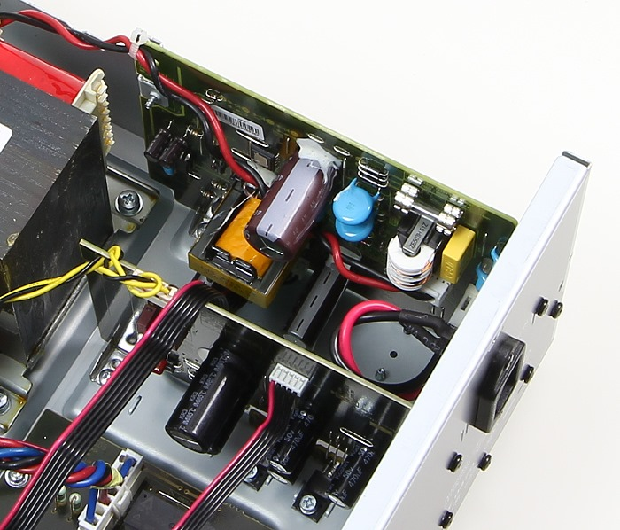 Denon AVR-X520BT Innenleben4