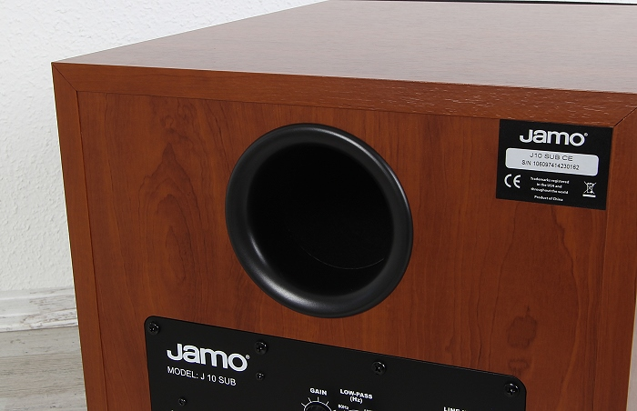 Jamo J 10 Sub Bassreflexrohr