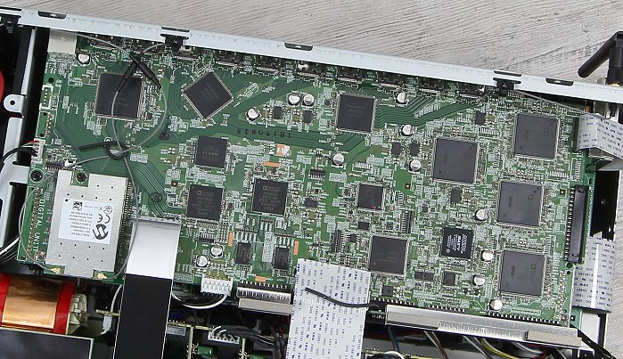 Denon AVR-X6200W Innenleben4