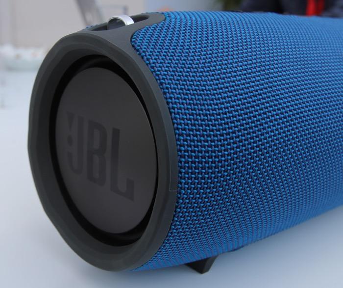 JBL Xtreme Seite links