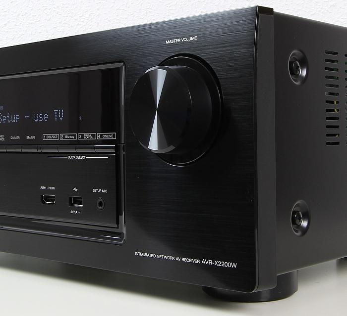 Denon AVR-X2200W Bedienelemente Front1