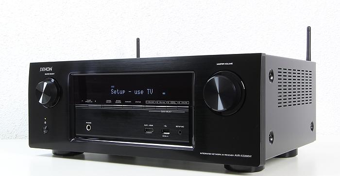 Denon AVR-X2200W Front Seitlich1