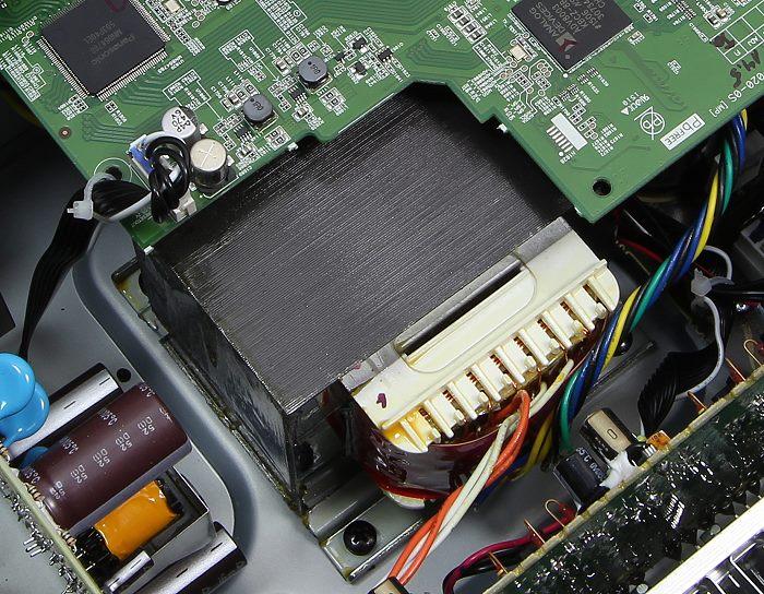 Denon AVR-X2200W Innenleben3