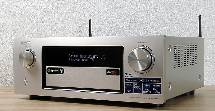 Denon AVR-X4200W Front Seitlich1