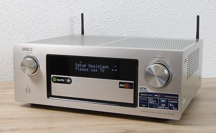 Denon AVR-X4200W Front Seitlich3