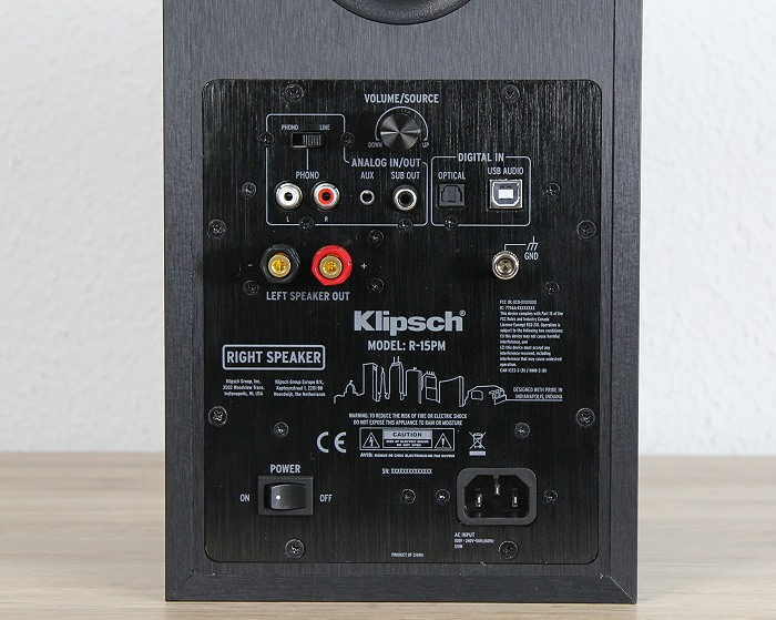 Klipsch_R_15PM_master_rueck_detail