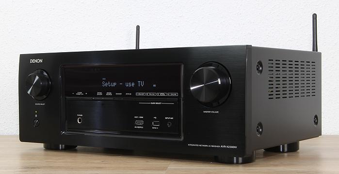 Denon AVR-X2300W Front Seitlich1