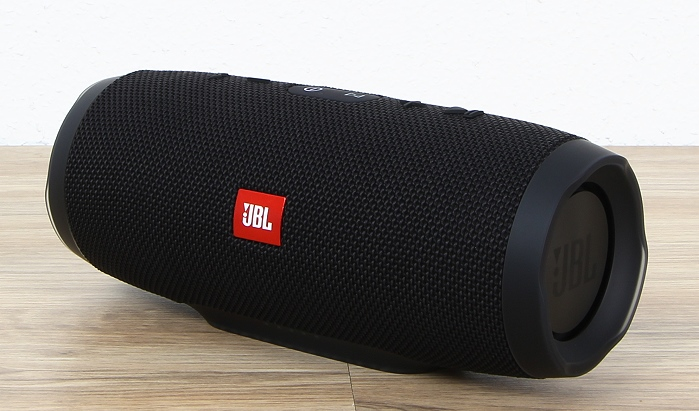 JBL Charge 3 Front Seitlich1
