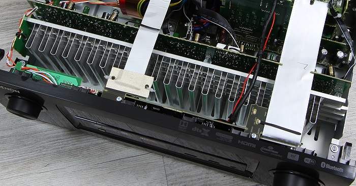 Denon AVR-X3300W Innenleben1