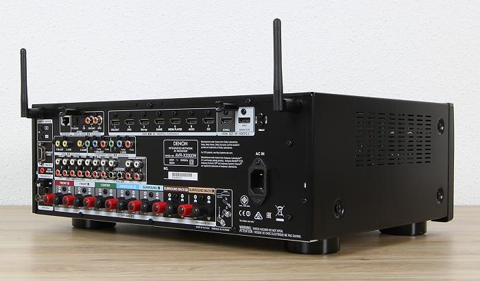 Denon AVR-X3300W Rueckseite Seitlich1