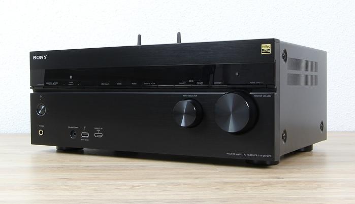 Sony STR-DN1070 Front Seitlich1