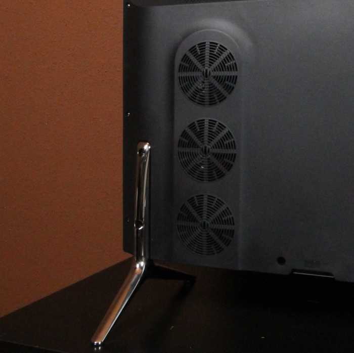 Hisense LTDN65K700XWTSEU3D Standfuss Lautsprecher