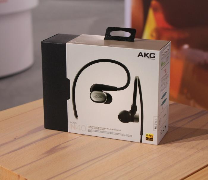 AKG N40 1