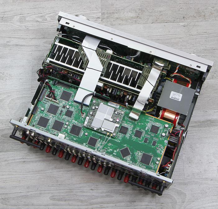 Denon AVR-X4300H Innenleben Gesamt
