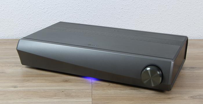 Heos-AVR-Front-Seitlich2