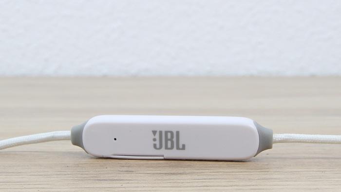 JBL E25BT 7