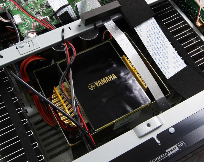 Yamaha-RX-A2060-Innenleben3