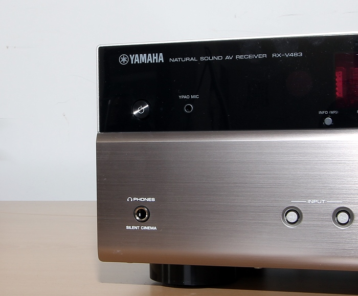 Yamaha RX-V483 Bedienelemente Front3